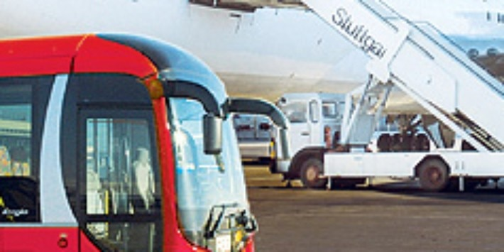 Airport Sprinter, Bus und Flugzeug