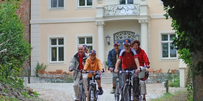 Burg Lenzen Radfahrer