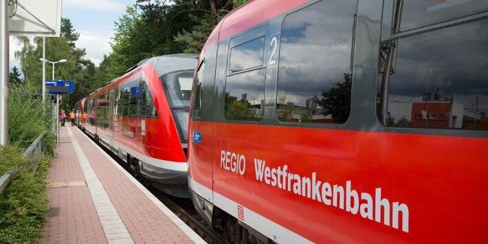 Zug der Westfrankenbahn