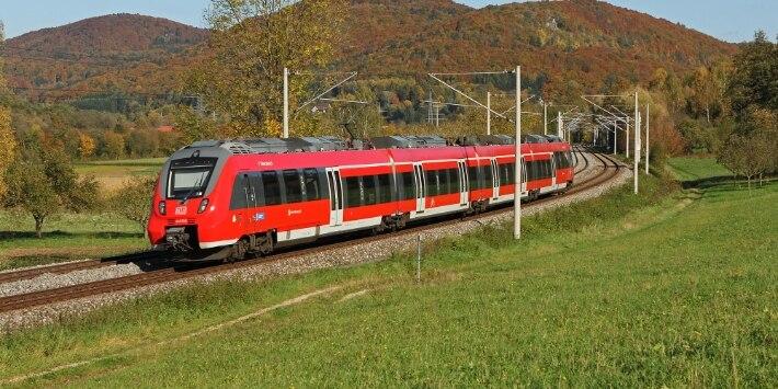 S-Bahn Nürnberg im Herbst