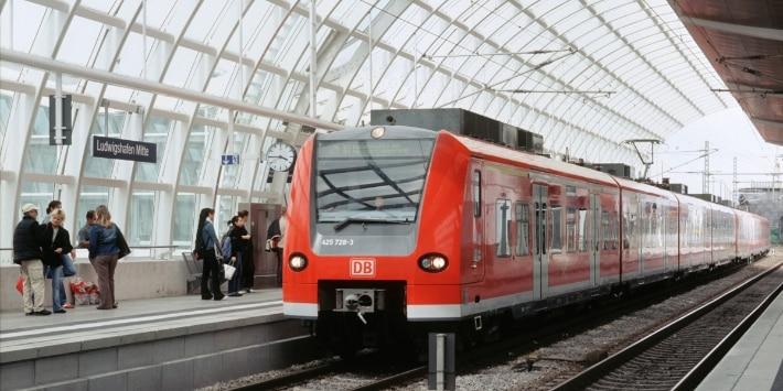 S-Bahn RheinNeckar Baureihe ET 425 im Bahnhof Ludwigshafen Mitte