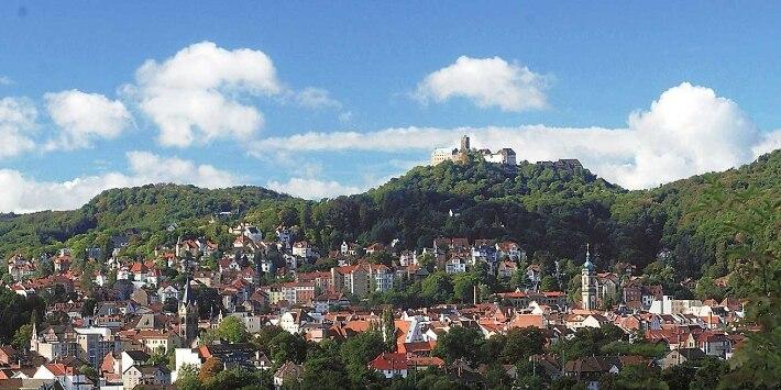 Panorama: Blick auf Eisenach mit Wartburg