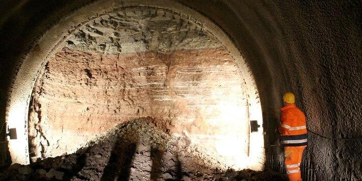 Sprengungen Zierenberger Tunnel