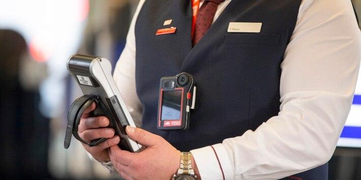Mitarbeiter mit Bodycam