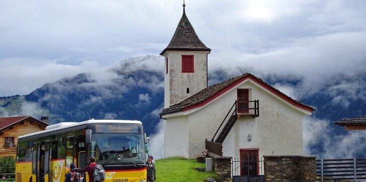 Bus, Dorf