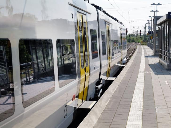 Zug Mireo Schiebetritt für barrierefreien Einstieg