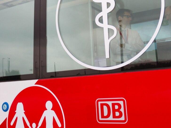Die mobile Arztpraxis, ein neues Medibus-Angebot von DB Regio Bus