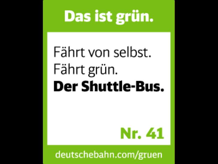 Das ist grün. Fährt von selbst. Fährt grün. Der Shuttle-Bus.
