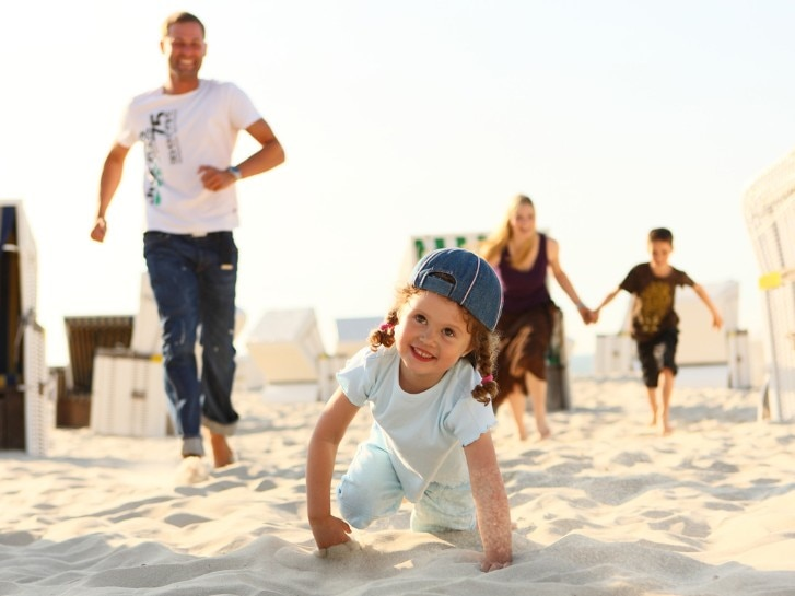 Wangerooge, Familie am Strand