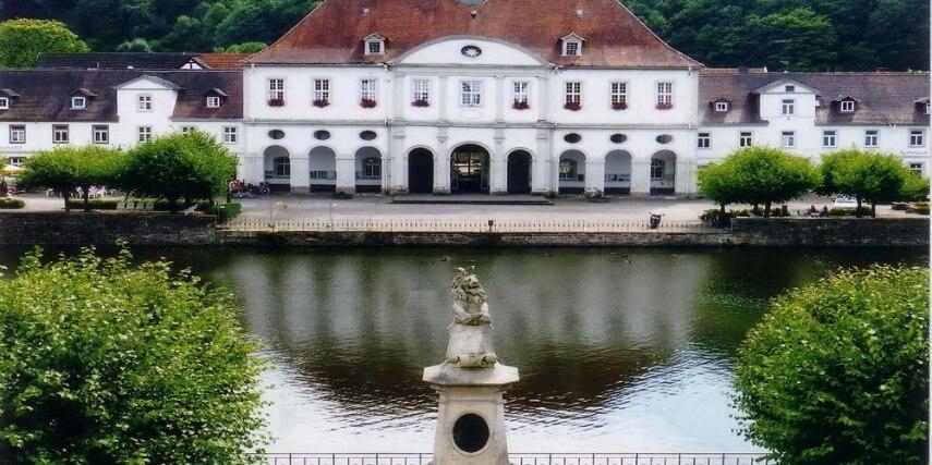 Bad Karlshafen, Rathaus mit Hafen