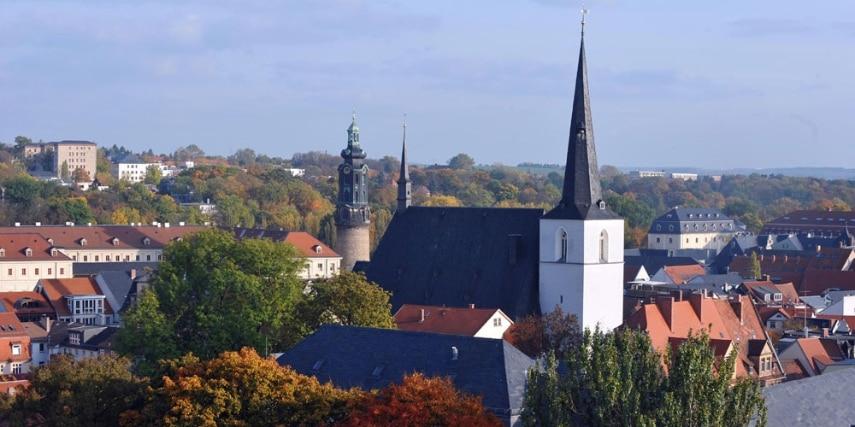Blick auf die Stadtkirche in Weimar