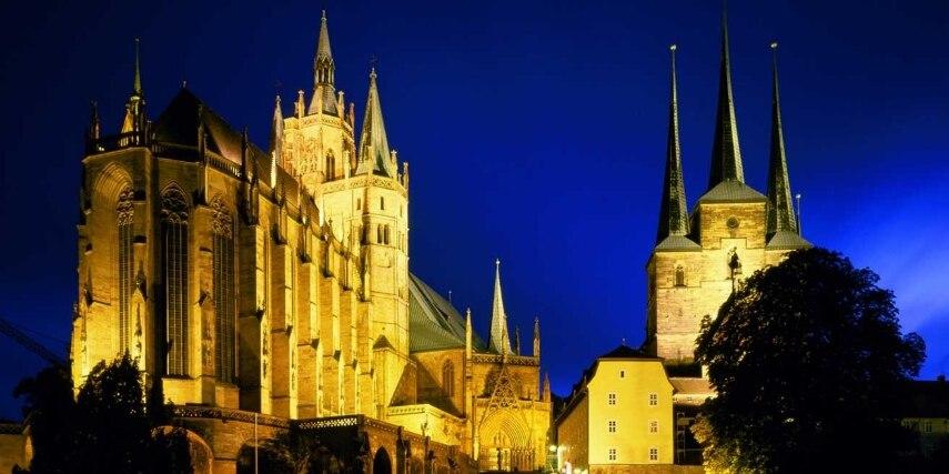 Mariendom und St. Severi in Erfurt bei Nacht