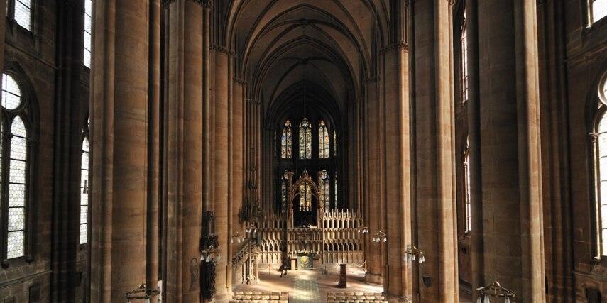 Innenraum Elisabethkirche Marburg