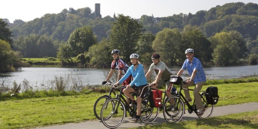 Fahrradfahrer auf dem Ruhrtal Radweg