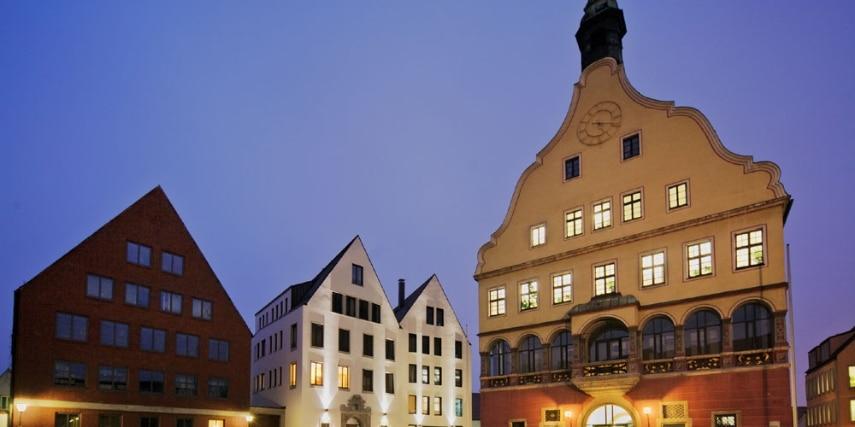 Der Weinhof mit dem Ulmer Schwörhaus.