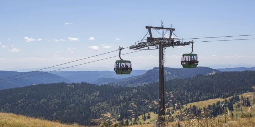 Two gondola lifts of the Feldberg cable car
