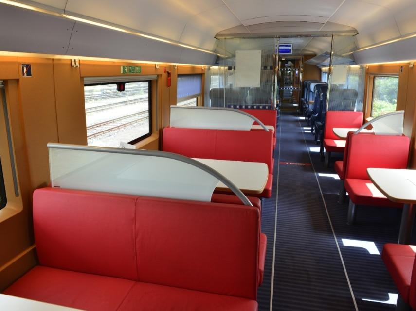 ICE 3 Baureihe 407, Innenaufnahme Bordrestaurant