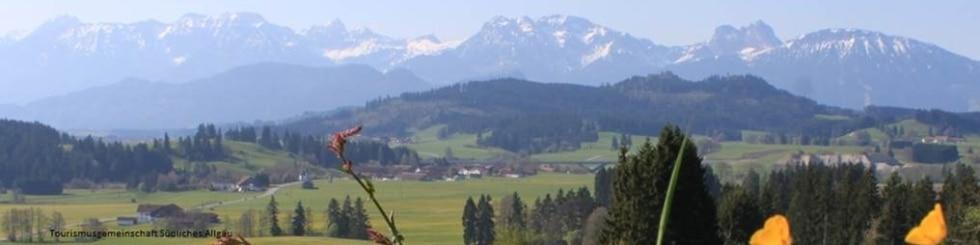 Kleinwalsertal mit Bergen im Hintergrund