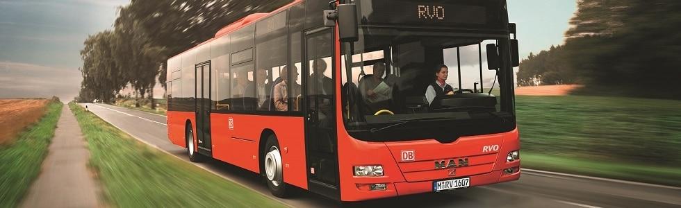 Oberbayernbus auf Straße