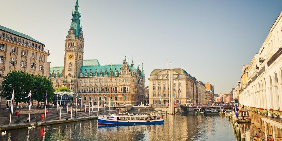 Hamburg: Blick aufs Rathaus