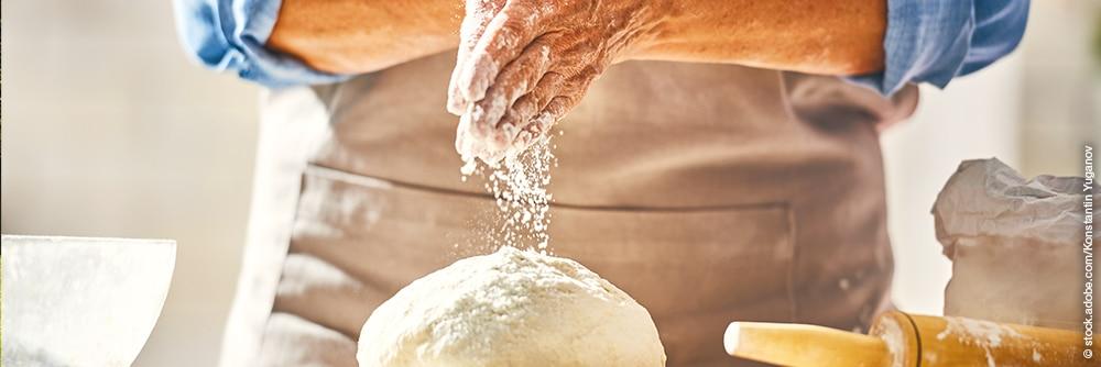 Bäcker und Teig