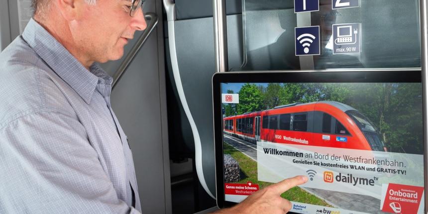 Touchmonitore im Einstiegsbereich für noch mehr Infos zu Ihrer Reise