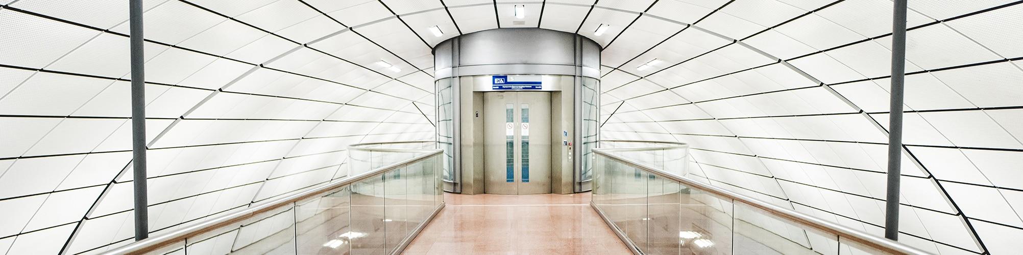 Airport Fahrstuhl